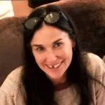 Demi Moore senza denti